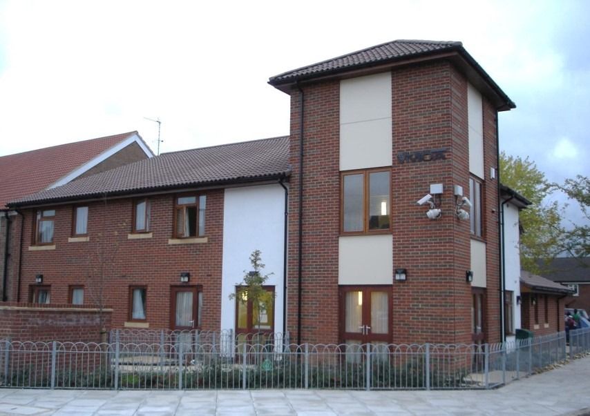 Northolt Grange - Hostel at YMCA Northolt Grange