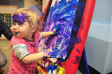 Child hand painting