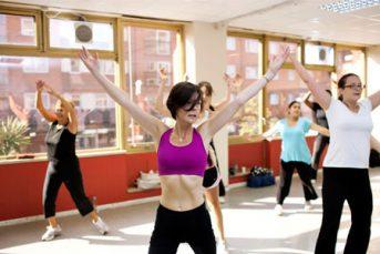 YMCA Wimbledon fitness class 343x229 - YMCA Wimbledon